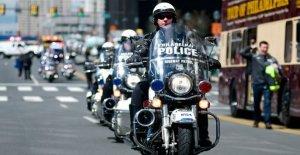 Se retiró a los policías de lanzamiento de PAC para ayudar a elegir al pro-de la policía de los candidatos