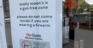 Seattle heladería bares de la policía portando armas