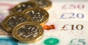 Stormont departamentos gastar £7m en la consultoría honorarios
