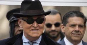 Trump espera para viajar Roger Piedra frase, días antes de la cárcel plazo establecido para comenzar