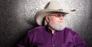Un gran amigo de el show': Fox & Friends' hosts recordar Charlie Daniels