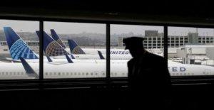 United Airlines para permiso de hasta 36,000 personal