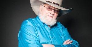 A finales de la estrella del country Charlie Daniels honrado por la nueva Tennessee resolución del Senado