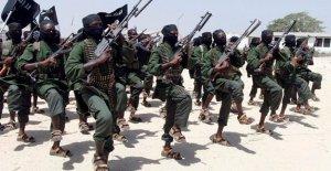 Al menos 8 soldados muertos en la explosión fuera de la base del ejército Somalí