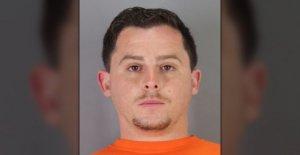 Arrestan a un hombre en la punzante como él se enfrenta a cargos de asalto de la activista conservador en la universidad de california en Berkeley