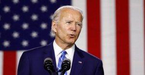 Biden camina de un afroamericano 'diversidad' comentarios, dice que él no tenía la intención de sugerir la comunidad es un 'monolito'