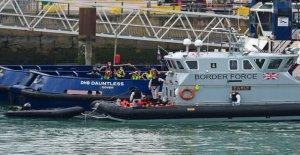 Calais alcalde acusa a gran Bretaña de declaración de guerra marítima' para migrantes de la ofensiva