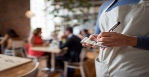 California camarero sorprendido por $1G punta de viral Venmo reto