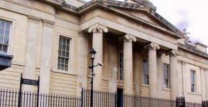 Derry riot cargo adolescentes en libertad bajo fianza