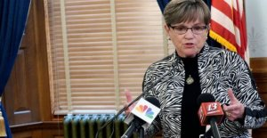 El gobernador pruebas negativas; Kansas COVID-19 casos saltar pasado 30K