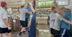 El hombre lleva a cabo de Arizona supermercado por hijo siguientes anti-máscara de la crisis