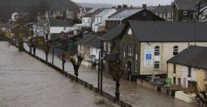 En menos de £500 metros para evitar más inundaciones en el país de Gales'
