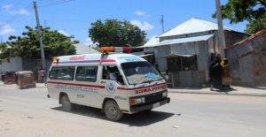 Gran explosión en la capital de Somalia mata a varios