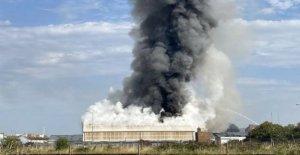 Gran incendio en el paseo marítimo unidad industrial