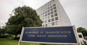 La FAA de los empleados que supervisan avión fabricantes informe de la presión