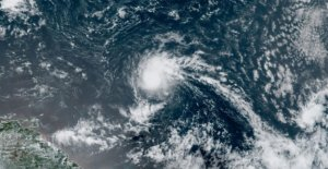 La Tormenta Tropical Josephine se forma en el Atlántico, se convierte primeros 'J' tormenta en el récord de la temporada de huracanes