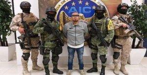 La policía mexicana aprovechar supuesta aceite de robo jefe del crimen