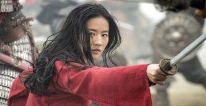 Los cines del reino unido golpe al Mulan de la versión en línea