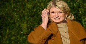 Martha Stewart aplaude de nuevo en el ventilador, que la llamó plato de langosta 'sordo' a la luz de la pandemia de