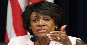 Maxine Waters: Biden 'no puede ir a casa sin una mujer Negra siendo VP'