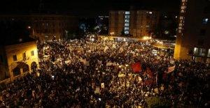 Miles abarrotan el centro de Jerusalén en la lucha contra Netanyahu protesta