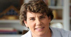 Mitch McConnell, el challenger de Amy McGrath reemplaza el jefe de campaña: informe