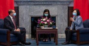 NOS angers China con alto perfil de Taiwán visita