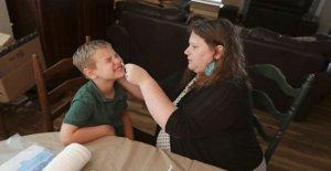 NOSOTROS, los niños, los padres realizar pruebas de BRICOLAJE para el coronavirus de la ciencia