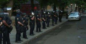 Negro Portland sargento de la policía habla acerca de por qué 'deshacer los fondos de la policía de la preocupación de él