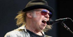 Neil Young demanda Triunfo de la campaña para el uso de sus canciones