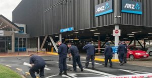 Nueva Zelanda criminales trate de la ráfaga de abrir CAJERO automático con bombas tubo