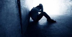 Pensamientos de suicidio en los adultos en estados unidos casi se duplicó en el mes de junio, el CDC dice