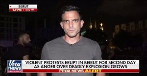 Trey Yingst informes del Líbano después de que el primer ministro, el Gabinete de renunciar después de Beirut explosión