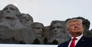 Trump niega lo que sugiere la adición de su rostro hacia el Monte Rushmore, pero llama una buena idea