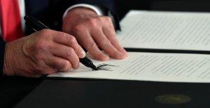 Washington Examiner corresponsal: Trump ha 'de la parte superior de la mano políticamente después de la firma de la orden ejecutiva