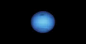 Neptuno misteriosa mancha oscura ha cambiado de curso y los expertos están desconcertados