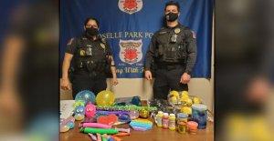 El proyecto de concientización sobre el autismo del departamento de policía de NUEVA Jersey equipa a los oficiales con kits de herramientas sensoriales