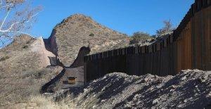 Agentes de CBP rescatan a una mujer...