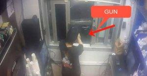 Empleado de Michigan Burger King apuntó pistola a clientes de drive-thru: informe