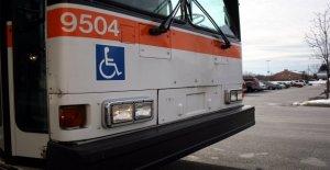 Conductor de autobús de Virginia saca a un niño del tráfico, aclamado como héroe