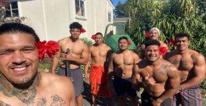 Equipo de Rugby de la que 104 días atrás todavía no está en casa