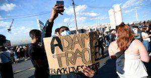 Francesa de lucha contra el racismo protestas desafían la prohibición policial