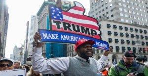 Trump reclamaciones en negro de puestos de trabajo, la pobreza y la delincuencia de los hechos comprobados
