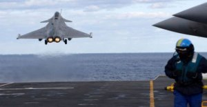 Francia suspende la misión de la Otan papel en medio de Turquía fila