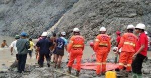 Myanmar jade derrumbe de la mina mata a más de 100