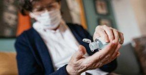 CDC advierte contra el consumo de desinfectante de manos después de los envenenamientos, las muertes